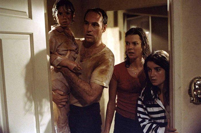 10 фильмов про дома с привидениями