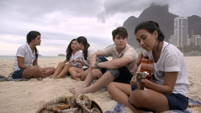 10 фильмов про любовь подростков