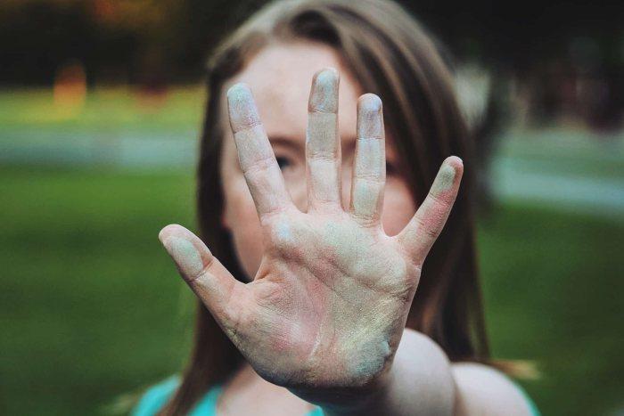 Как реагировать на оскорбления: 6 простых советов
